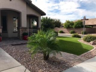 Landscaping Services - Yard Stylist - Queen Creek, AZ - Back Yard Landscape Edging Plants Gravel Artificial Grass