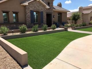 Artificial Grass – Front Yard – Decorative Plants and Solar Lights – Yard Stylist – Arizona