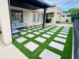 Artificial Grass Installation – Gilbert AZ Embedded Paver Pattern – The Yard Stylist