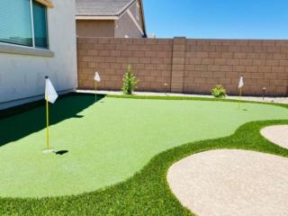 Putting Green – Back Yard Artificial Grass – Yard Stylist – Fulton Homes, Queen Creek Station AZ